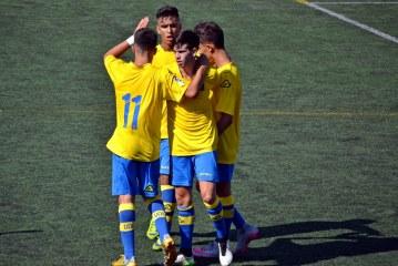 La UD Las Palmas golea al CD Laguna