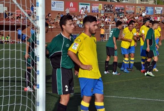 La UD Las Palmas se estrena con victoria
